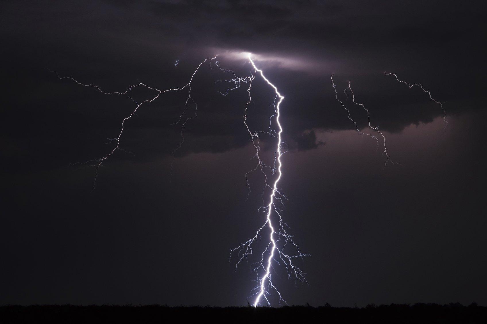 Lightning-streak